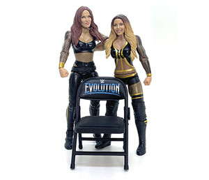 Closer look: Trish & Lita WWE Battle Pack